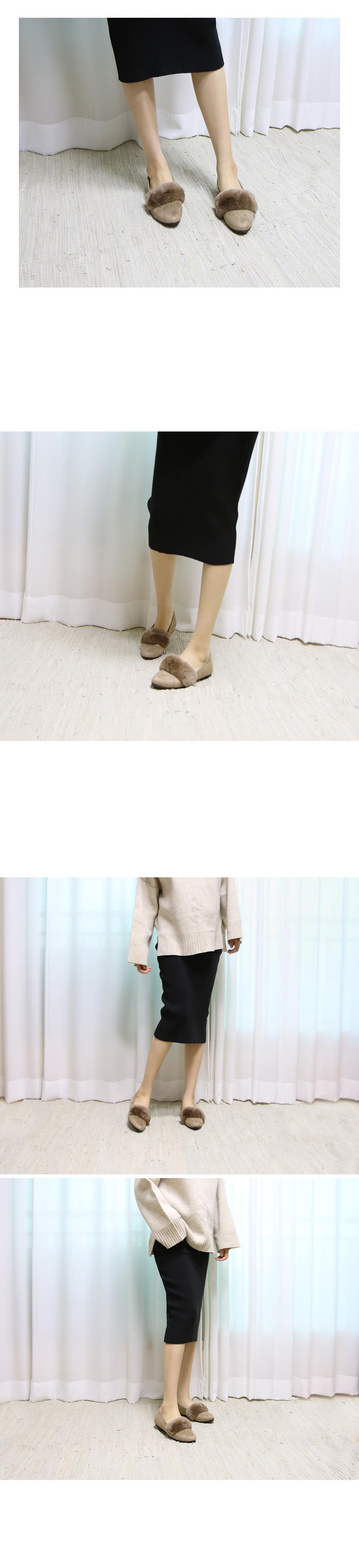 디플론 토끼털 스웨이드 플랫슈즈 착용컷