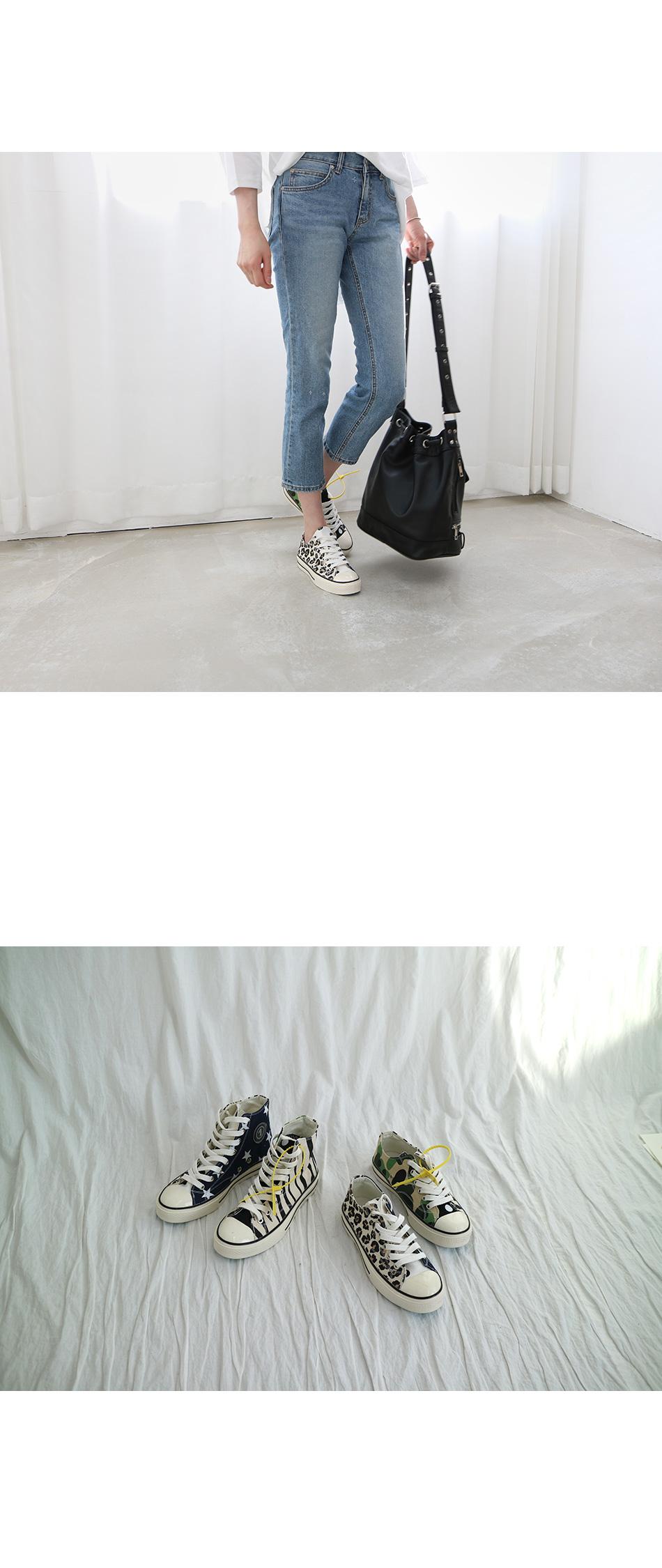 디파스 프린팅 스니커즈 착용컷