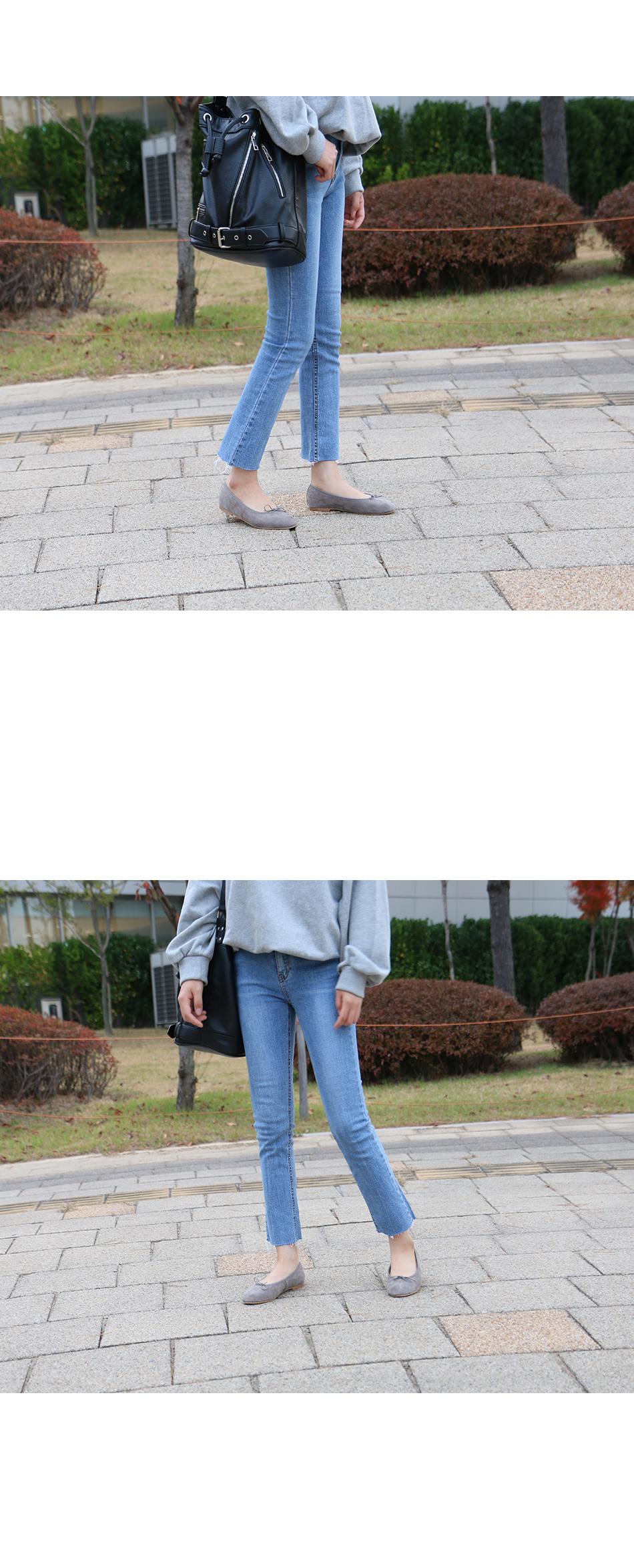 젠카 스웨이드 리본 플랫 착용컷
