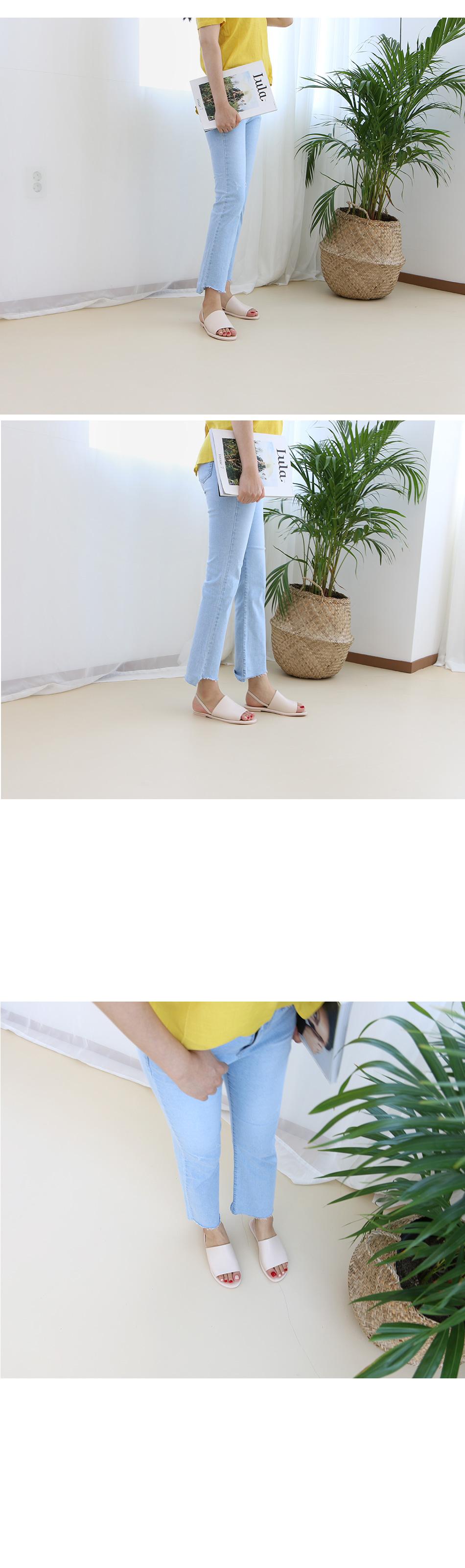 템드 와이드 슬링백 샌들 착용컷